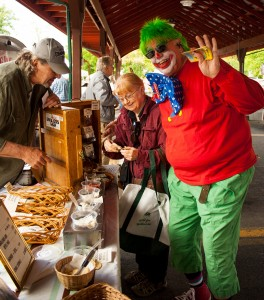 clown-richard-farmers-market